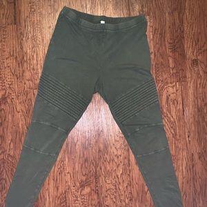 Green military style leggings size XL